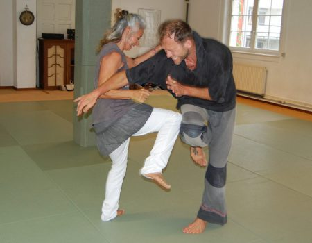 Easter Intensive Pia André and Chetan Erbe in Freiburg/ Germany: Contact Impro, Martial Arts, New Dance